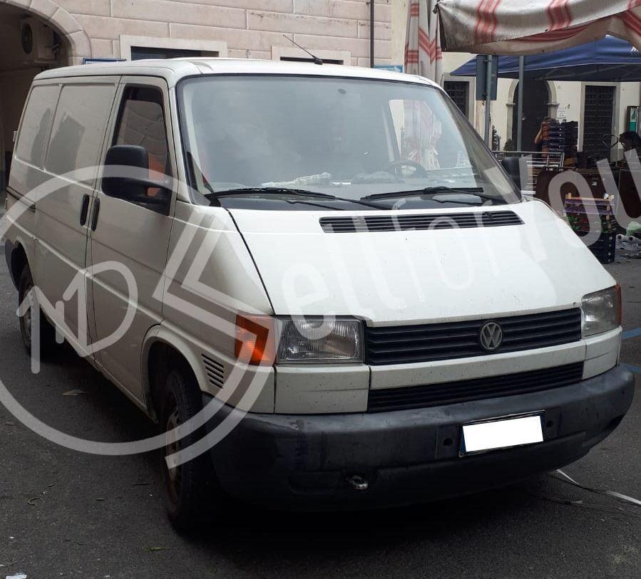 sellforyou immagine default articolo correlato non trovatoFurgone Volkswagen Transporter 2.0 TDI - anno 2002