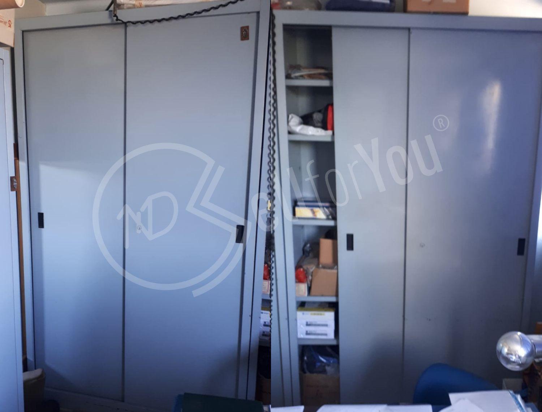 sellforyou immagine articolo Lotto di mobili e scaffali per ufficio