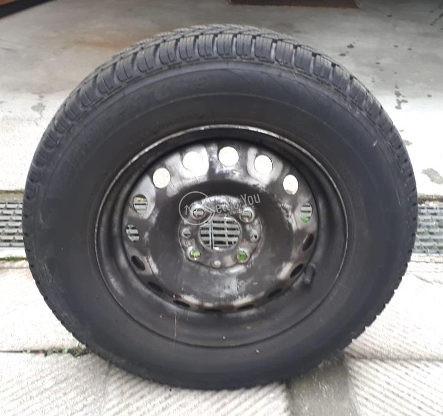 Pneumatici antineve Bridgestone Blizak-LM-18 con cerchi  sellforyou
